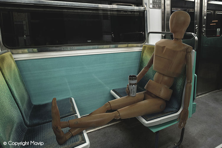 Goodie Boy et ses objets publicitaires dans le métro à Paris #votrelogoici