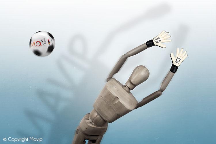 Goodie Boy et ses objets publicitaires arrête un ballon avec ses gants #votrelogoici