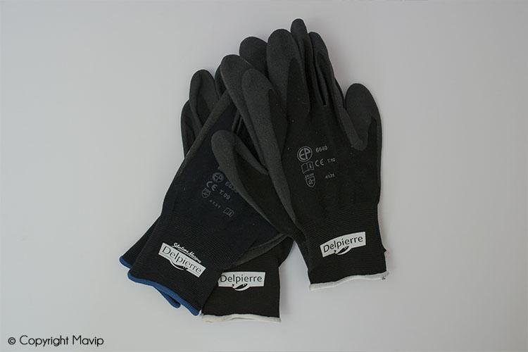 Les gants réalisés pour Delpierre par Mavip