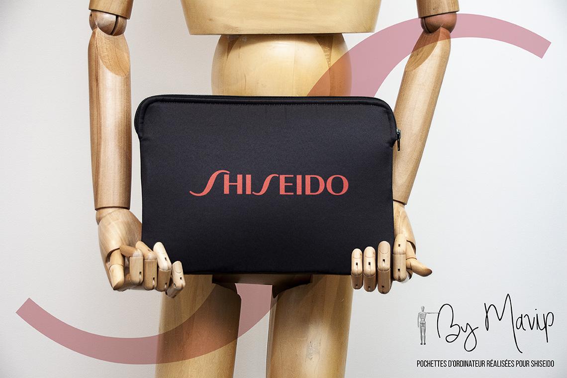 Pochettes d'ordinateur réalisées pour Shiseido par Mavip