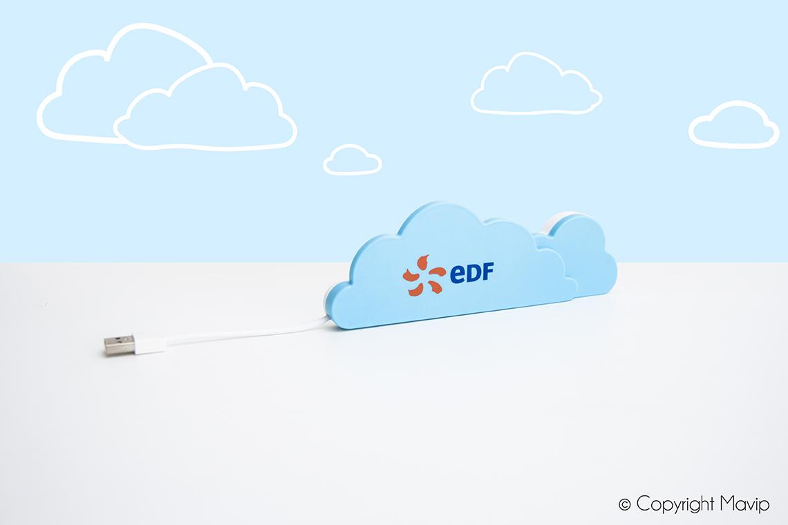 Hubs personnalisés avec logo d'entreprise objet média