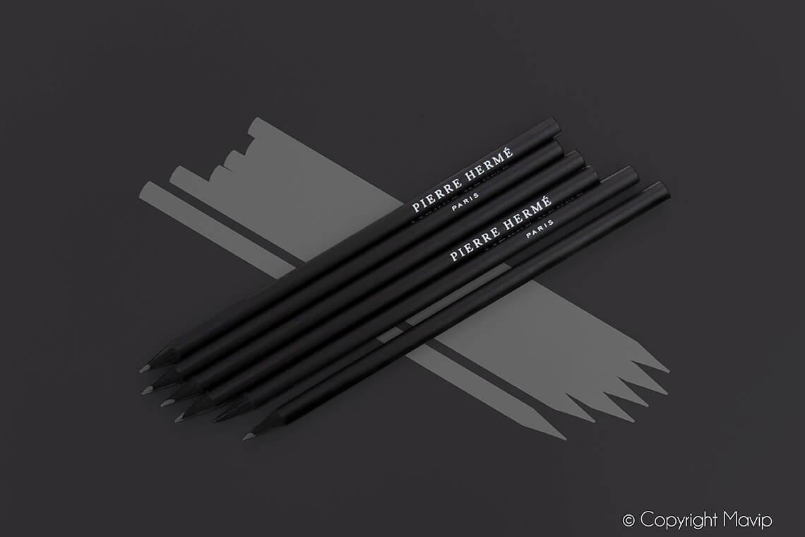 Crayons réalisés pour Pierre Hermé par Mavip