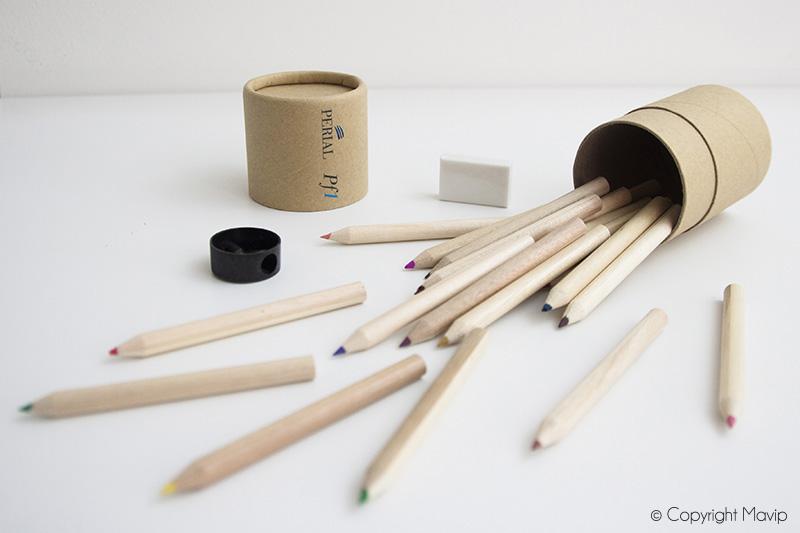 Crayons de couleurs personnalisés avec le logo de Périal