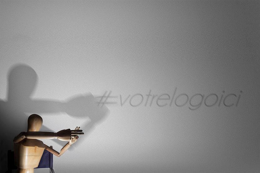 Goodie Boy maitrise les ombres chinoises et écrit le hashtag #votrelogoici