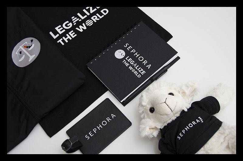 Kit d'objets publicitaires réalisé pour Sephora par Mavip