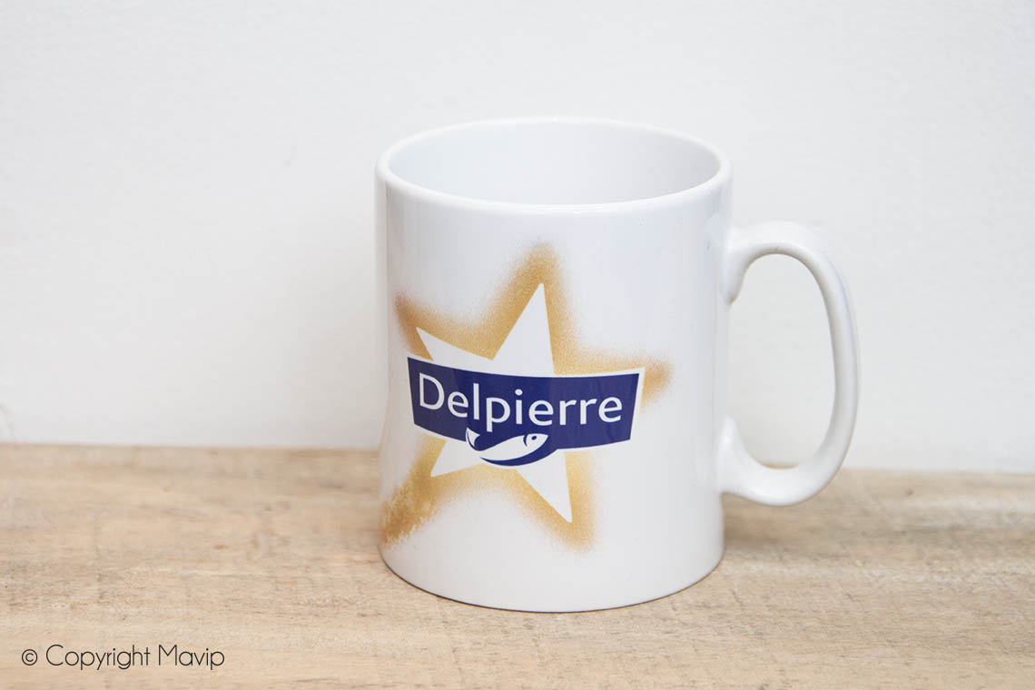 Mugs personnalisables réalisés pour Delpierre avec logo full impression