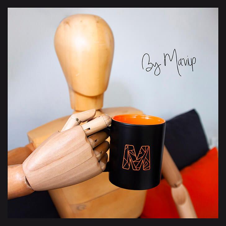 Mug personnalisé à la couleur pantone avec logo Mavip
