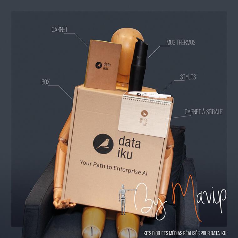 Kits d'objets publicitaires réalisés pour Data Iku par Mavip