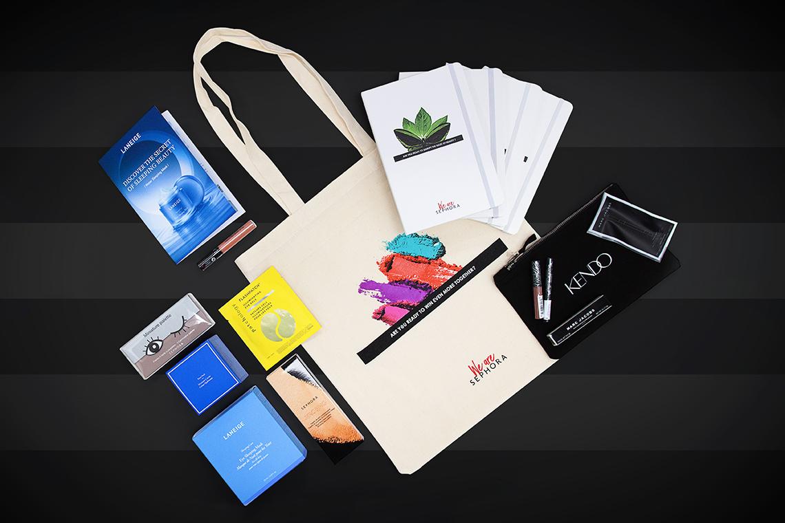 kit d'objets médias personnalisables avec logo d'entreprise by Mavip