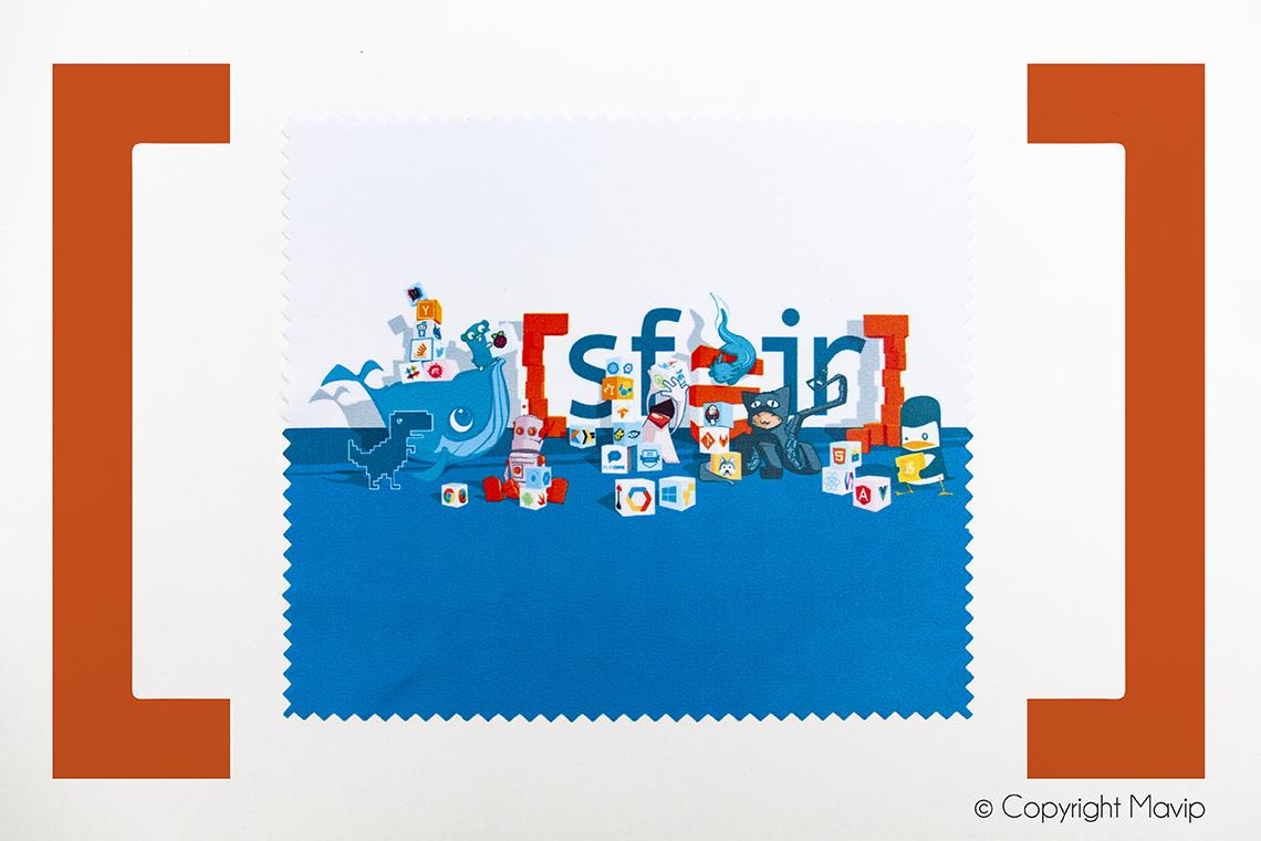 Lingettes microfibres personnalisables avec logo d'entreprise objet média by Mavip