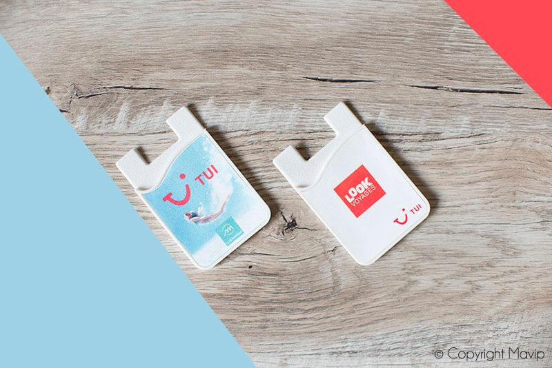 Porte-cartes pour smartphone réalisés pour TUI par Mavip
