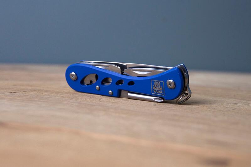 Couteaux multifonctions personnalisés avec logo d'entreprise gravé