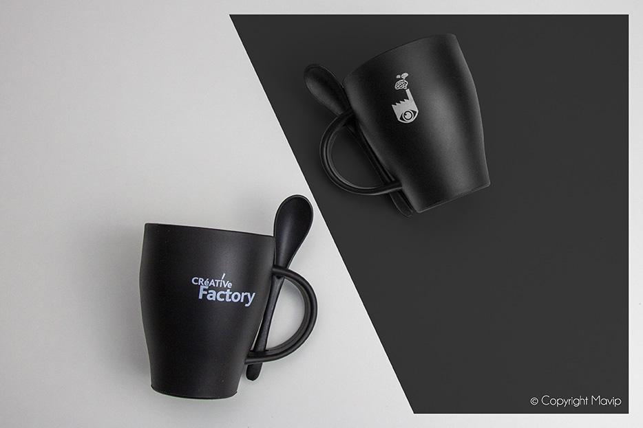 Mugs avec cuillères personnalisables réalisés par Mavip