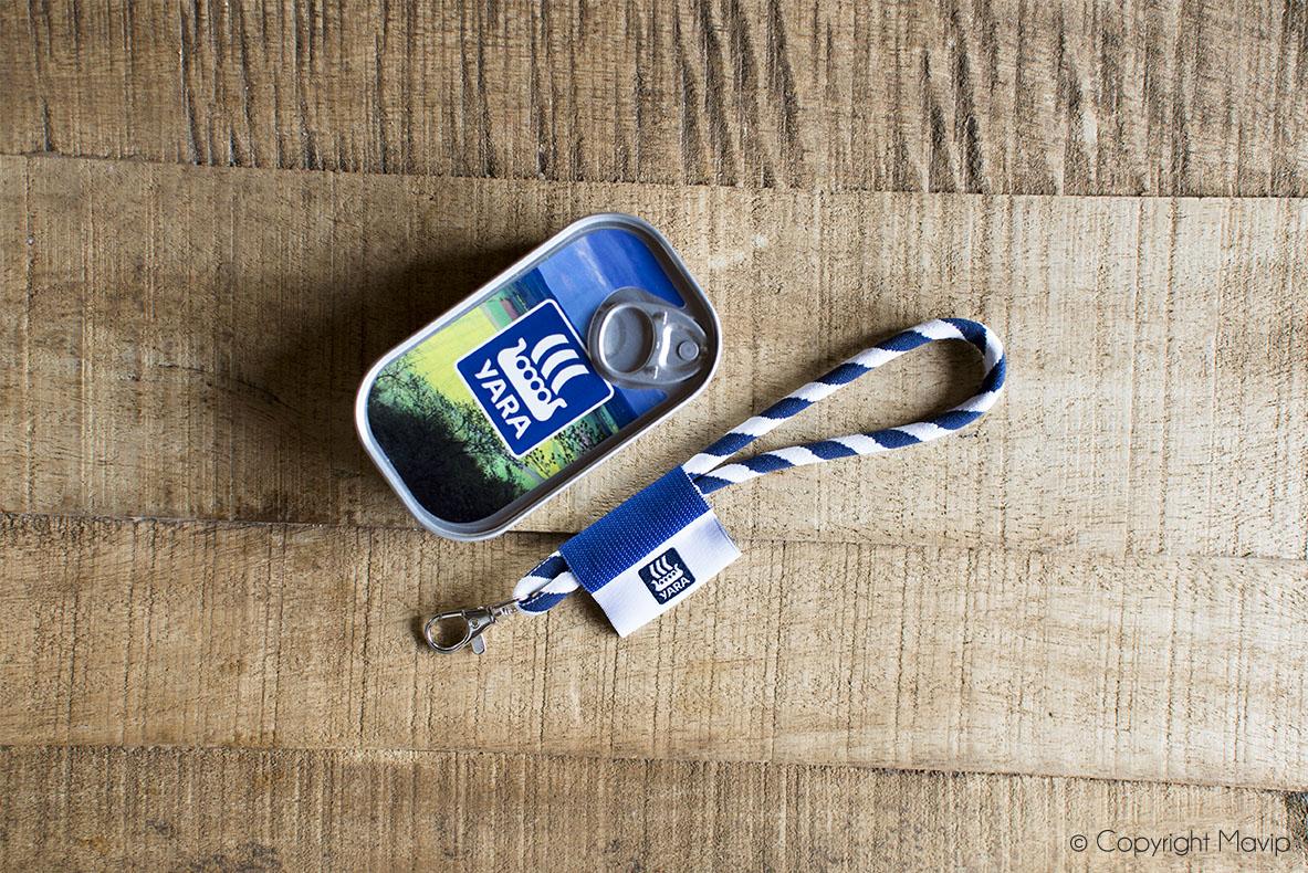 Packaging porte-clés dans une boite métal personnalisables avec logo réalisés par Yara par Mavip