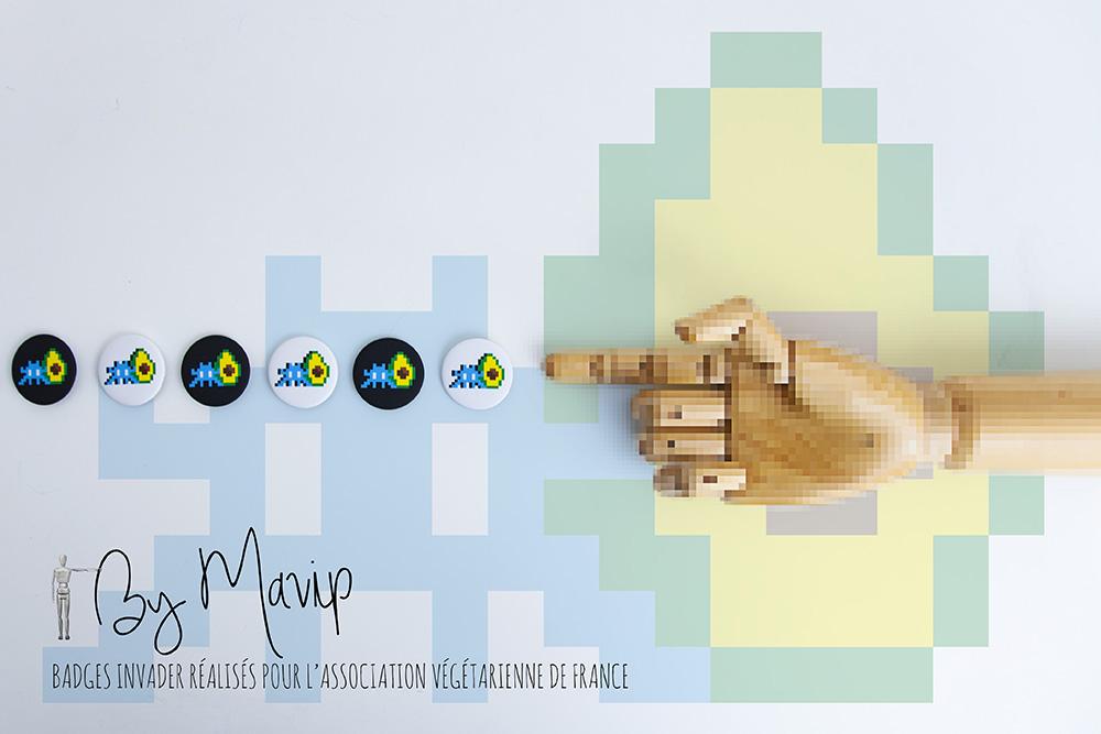 Badges INVADER réalisés pour l'association végétarienne de France par Mavip