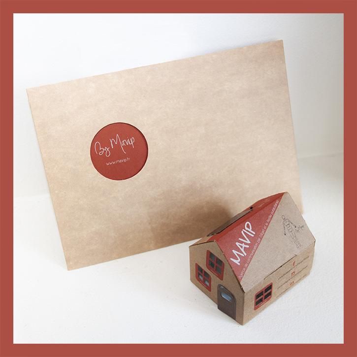 Petite maison pliable en carton personnalisable avec logo d'entreprise