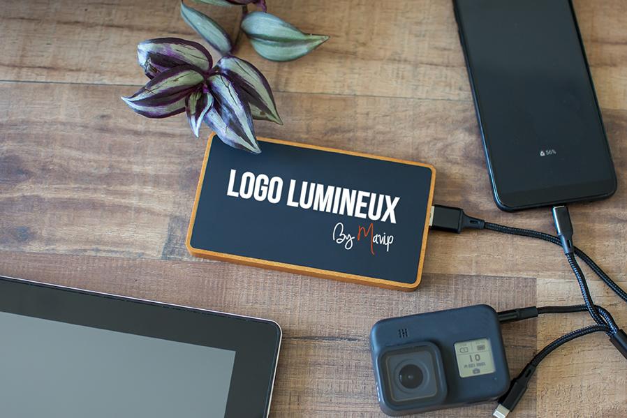 Batterie nomade de recharge pour smartphones avec logo lumineux